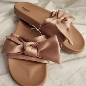 NWOT Mossimo Supply Pink Champagne Sandals